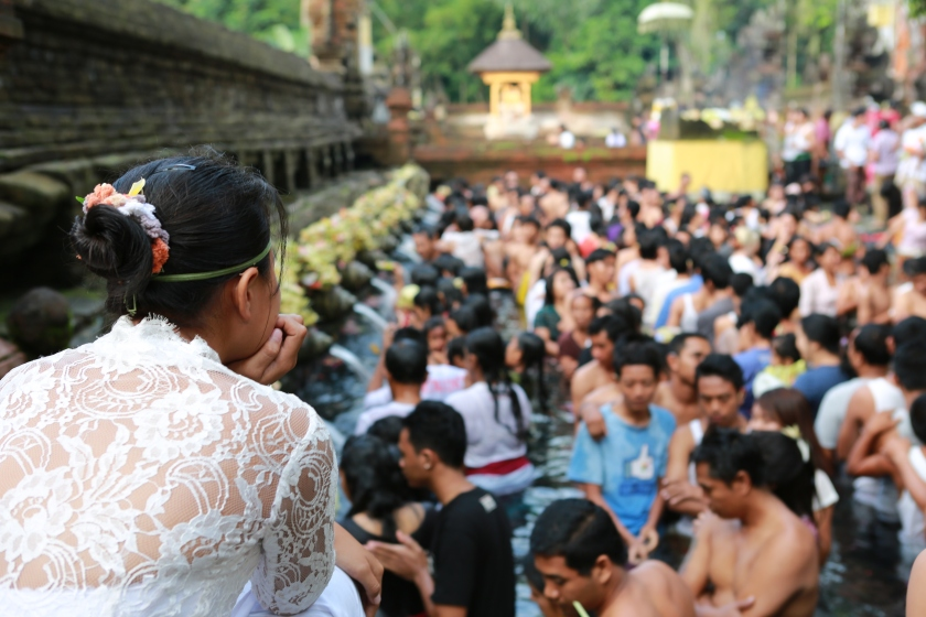 Pura Tirta Empul- more Balinese less tourists